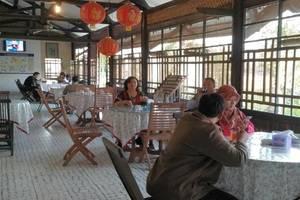 Srikandi Hotel Pacitan - Ruang makan