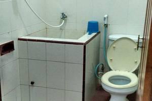 Srikandi Hotel Pacitan - Kamar mandi