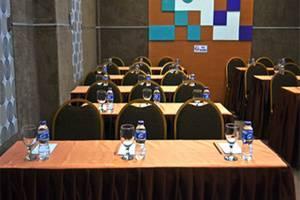 Rizh Garden Family Hotel Bandung - Ruang Rapat