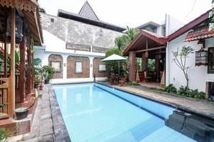NIDA Rooms Padma 23 Monjali Jogja - Kolam Renang