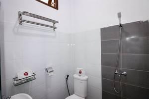 NIDA Rooms Padma 23 Monjali Jogja - Kamar mandi