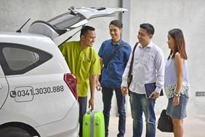 Whiz Prime Hotel Basuki Rahmat Malang Malang - Service