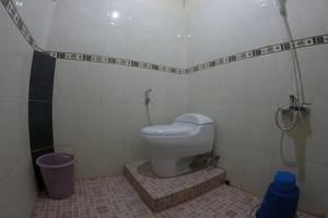 Anju Cottage Samosir - Toilet Superior