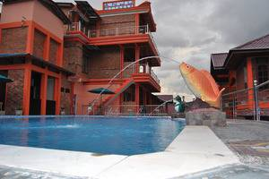 Anju Cottage Samosir - Pool