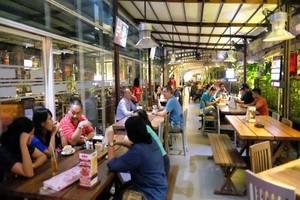 J iCon Hip Hotel Balikpapan - Restoran