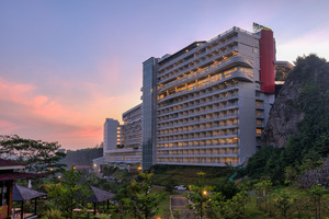 Le Eminence Puncak Hotel Convention & Resort