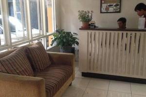 Farila Guesthouse 2 Surabaya - Resepsionis