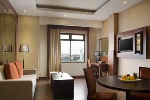 Best Western  Makassar - Ruang tamu Suite