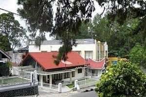 Hotel Royal Denai View Padang - Tampak Luar