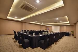 Serela Waringin Hotel Bandung - Meeting Room Scarlet