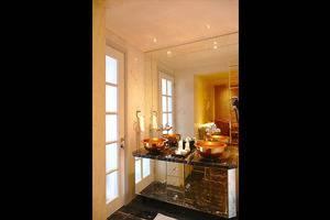 Lafayette Boutique Hotel Yogyakarta - Bathroom