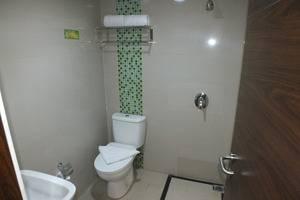 ParagonBiz Budget Hotel Tangerang - KAMAR MANDI DELUXE