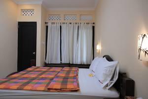 RedDoorz @Goa Gong Jimbaran Bali - Kamar tamu