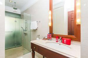 ZEN Premium Dewi Saraswati Seminyak - Kamar mandi