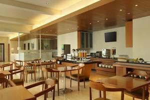 Holiday Inn Express Bali Kuta Square Bali - Restoran