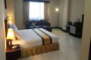 Beril Nur Hotel Makassar - Room