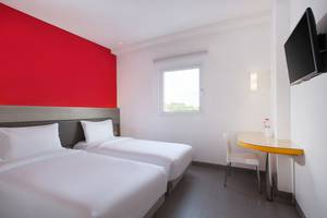 Amaris Hotel Sriwedari Solo Solo - smart room twin