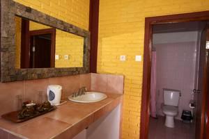 Guest House Kudos Bali - Kamar Mandi