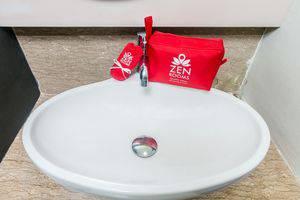 ZenRooms Legian Werkudara Bali - Kamar mandi