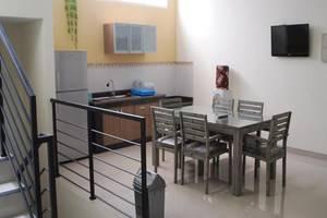 IKIRU to live Hotel Surabaya - Ruang makan