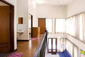 Villa K2 - 6 Istana Bunga - Lembang Bandung Bandung - 1