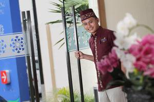 Namira Syariah Hotel Pekalongan - Pramutamu