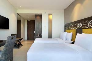 Golden Tulip Mataram Lombok - twin bed