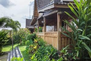 RedDoorz Plus @ Dawas Canggu Bali - Eksterior