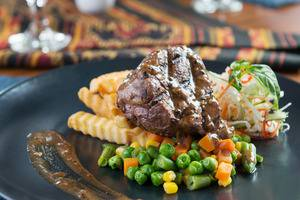 Sotis Residence Pejompongan Jakarta - Striplion Steak