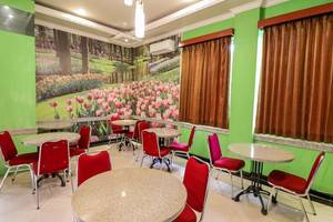 NIDA Rooms Queen Place Makassar - Restoran