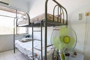 Da Rifi Hostel Surabaya - Bunk Bed