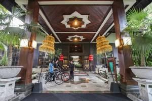 Singgasana Hotel Surabaya - Looby depan