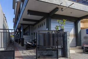 RedDoorz @Pulau Galang Denpasar Bali - Tampilan Luar Hotel