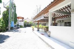 Hotel Hapel Semer Bali - Parking Area