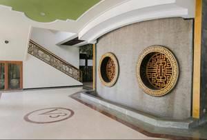 V3 Hotel Surabaya - Lobby Interior