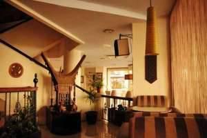 Losari Beach Hotel Makassar - Lobby