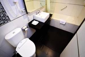 Topas Galeria Hotel Bandung - Kamar mandi