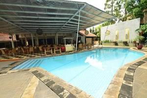 Topas Galeria Hotel Bandung - Kolam Renang