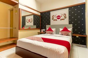 OYO 615 Residence Puri Hotel Syariah