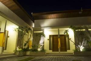De Lemon Gatsu Hotel Bali - Area Parkir