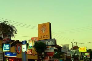 De Lemon Gatsu Hotel Bali - Cafe dan ATM Terdekat