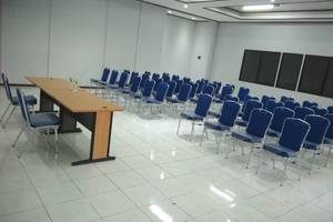 Le Green Suite Supomo Jakarta - MEETING ROOM