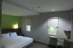 IZI Hotel Bogor - Deluxe King