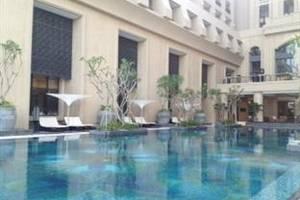 Hotel Tentrem Yogyakarta - Kolam renang