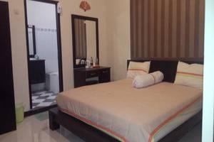 Jaya Phita Guest House Kupang - Kamar tamu