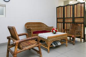 Airy Darmo Kanwa 18 Surabaya - Lobby