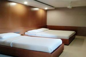 Hotel Bintang Tawangmangu - Family Room