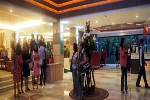 Lorin Dwangsa Solo Hotel Solo - Lobi
