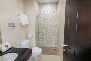 NIDA Rooms Surabaya Kedungsari - Kamar mandi