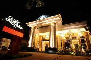Liz Palace Inn Bandung - Eksterior